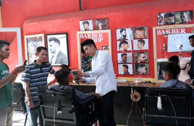 Kursus-Barbershop-Kursus-Potong-Pangkas-Rambut-Murah